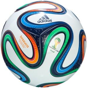 Fussball Ball Adidas Brazuca