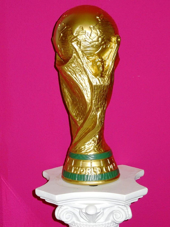 Fussball Pokal Fur Jeden Fan Der Passende Pokal